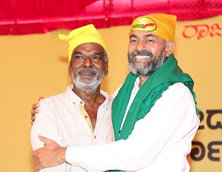 Image of Devanoora Mahadeva and Yogendra Yadav
